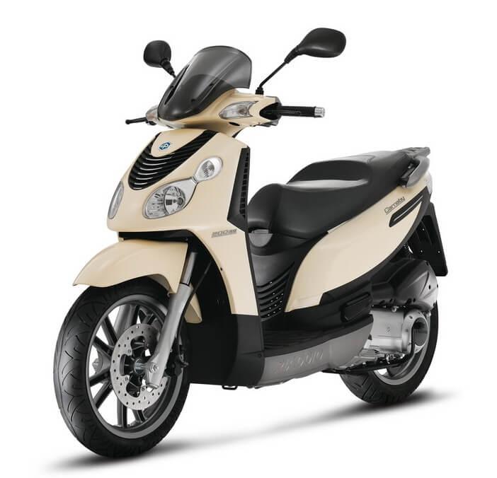 Piaggio Carnaby 125cc - Savvas Rent a Car